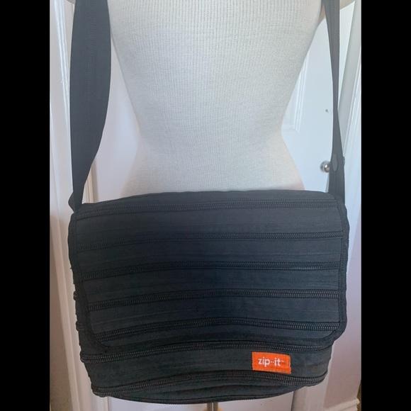 4 FOR $15 Zip It! Zipper bag